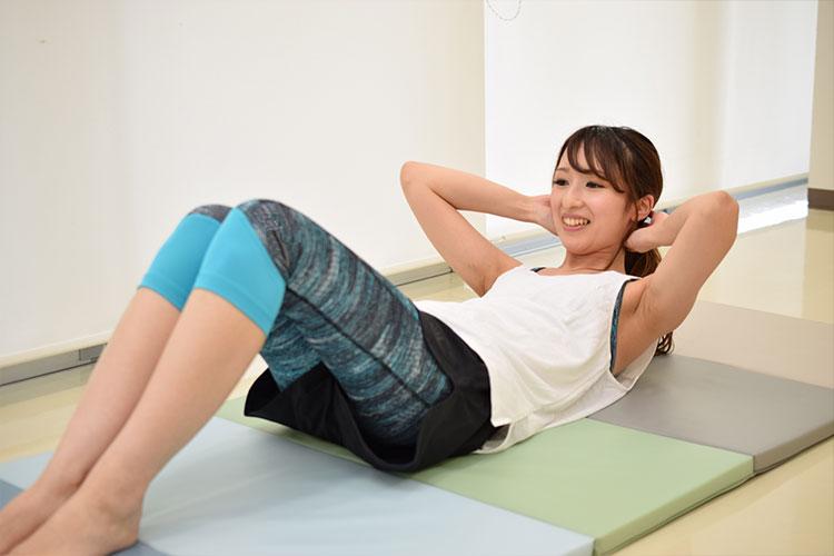 腹直筋上部の鍛え方
