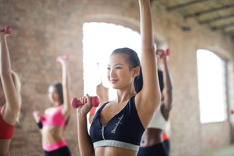 適度な運動や筋トレをする